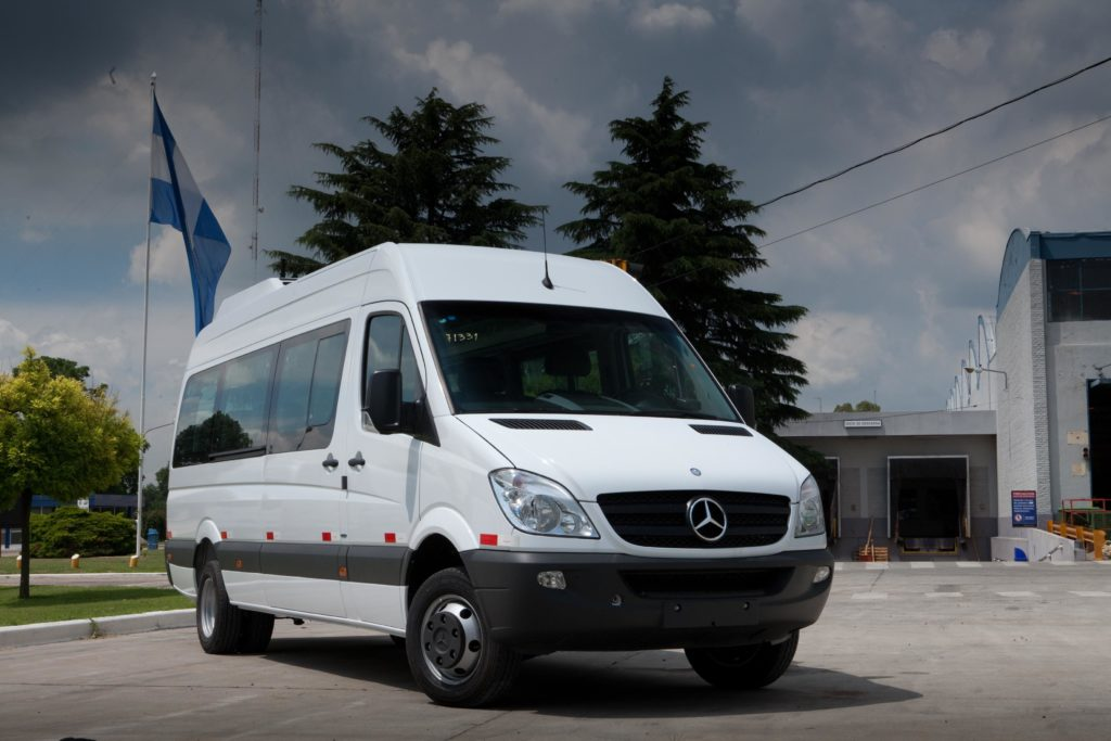 Mercedes Sprinter – niezawodny bus na wynajem