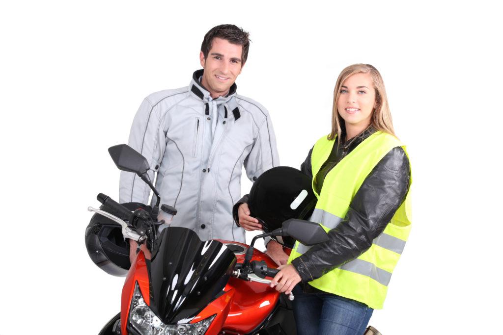 Czy kamizelka odblaskowa jest niezbędna motocykliście?