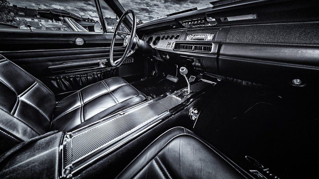 Akcesoria samochodowe – gadżety, które warto mieć w samochodzie